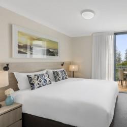 Oaks Calypso Plaza Resort - Discover the Gold Coast's hidden gem! Sprawling golden sand beaches and cafes